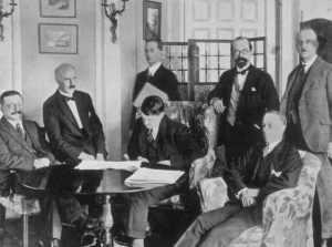 signing-the-anglo-irish-treaty-1922