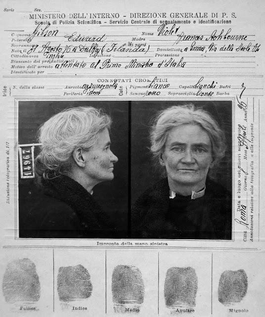 Violet Gibson's prison ID card, 1926.jpg