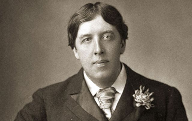 cropped_MI-oscar-wilde-black-and-white.jpg